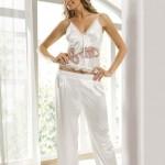 beyaz saten dantel işlemeli pijamalı gecelik modelleri