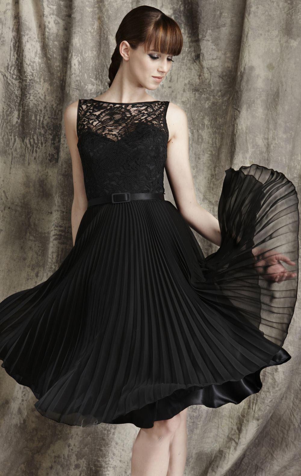 pileli siyah elbise modeli