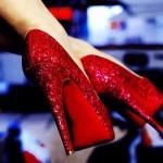 kırmızı payetli ayakkabı modeli