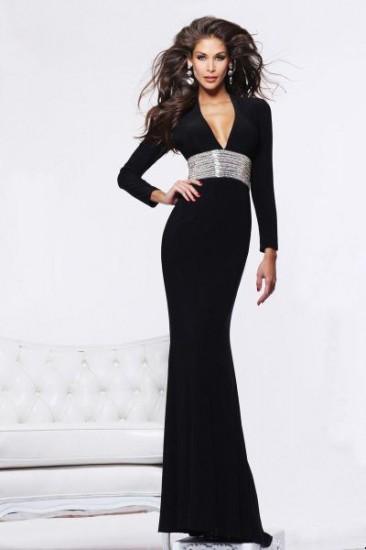 Tasarım abiye elbise modelleri siyah dekolteli abiye elbise modeli