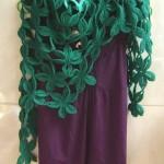 yeşil çiçek motiflerinden örgü şal modeli
