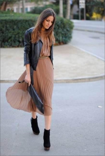 2013 sokak modasında pileli elbise