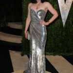 gümüş rengi uzun abiye elbise modeli