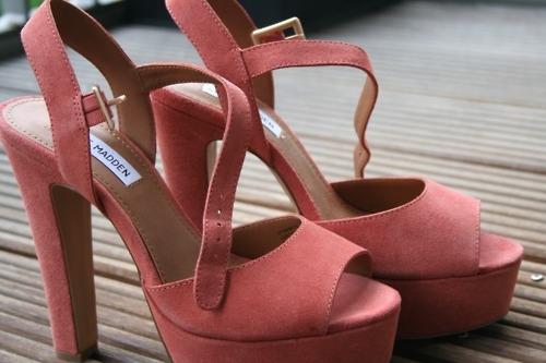 gül kurusu renginde  kalın topuklu ayakkabı modelleri